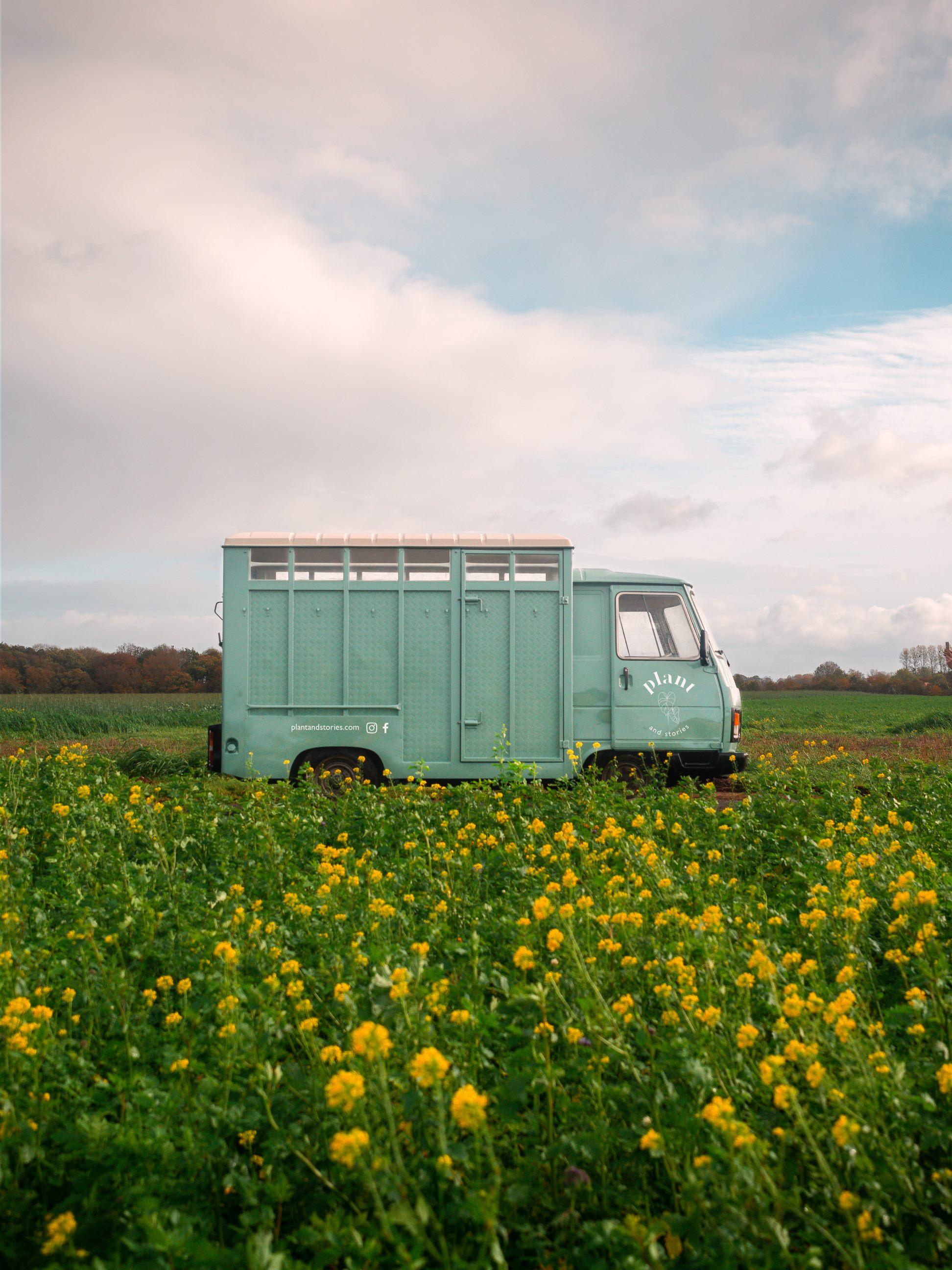 Le Plant Truck Plant and Stories peint et floqué